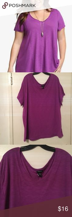 Torrid V neck tee shirt size 3 = 3X Torrid brand V-neck tee shirt in great condition. Size 3 conversion size 3X. First pic is a similar stock pic. The rest of the pics are the actual shirt torrid Tops