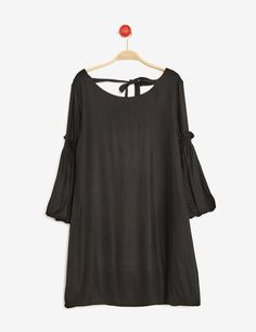 robe manches bouffantes noire - http://www.jennyfer.com/fr-fr/vetements/robes/robe-manches-bouffantes-noire-10012484060.html