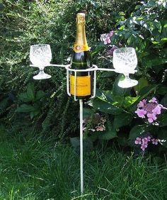 LETS PICNIC STICK - HOLDS BOTTLE OF WINE & 2 GLASSES | eBay