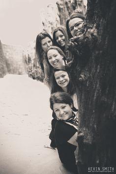 #Enterrement de vie de jeune fille #St Malo #Copines #Mariage #Kevin Smith Photographe Group Photo Poses, Group Photos, St Malo, Portrait Photo, Bridal Shower, Best Friends, Photoshoot, Family Pics, Lifestyle