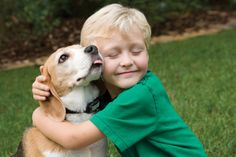 Por qué es importante que los niños se críen con mascotas http://www.mascotadomestica.com/adopcion-perros/por-que-es-importante-que-los-ninos-se-crien-con-mascotas.html