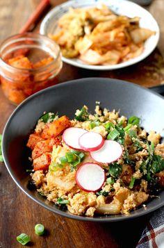 Kimchi Cauliflower Fried Rice recipe by SeasonWithSpice.com @seasonwithspice