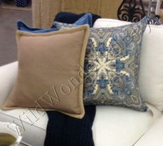 Pottery-Barn-Mansfield-Pillow-Cover-Blue-24-Paisley-Print-Square-Medallion-New
