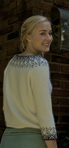 Ravelry: bnbmackenzie's Julia's Bohus Hand Knitted Sweaters, Knitted Bags, Big Knit Blanket, Big Knits, Tauriel, Girl Fashion, Fashion Design, Knitting Designs, Cardigans For Women