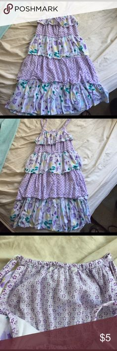 Girls summer dress Adorable girls summer dress! Inside tag has been cut out, but this is a size 6! I can't remember the brand but it's a nicer Nordstrom brand Dresses Casual