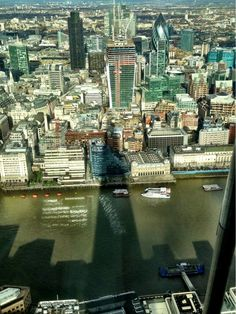 Twitter / TheTravelBunny: #FriFotos #shadow of the #Shard ...