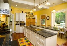 Trendy kitchen colors with white cabinets yellow interior design Yellow Kitchen Designs, Yellow Kitchen Walls, Design Your Kitchen, Kitchen Paint Colors, Yellow Walls, White Kitchen Cabinets, New Kitchen, Kitchen Decor, Yellow Kitchens