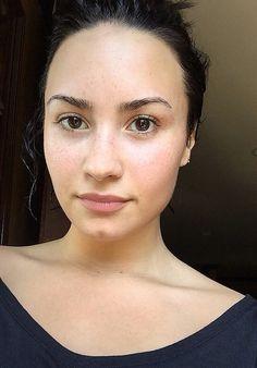 no makeup monday demi lovato. No makeup and she's still perfect