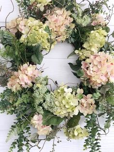 Spring Wreath, Pink and Green Hydrangea Wreath, Easter Wreath, Front Door Decor, Wreaths For Spring Spring Door Wreaths, Easter Wreaths, Summer Wreath, Christmas Wreaths, Green Hydrangea, Hydrangea Wreath, Carillons Diy, Greenery Wreath, Floral Wreaths
