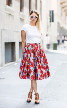 """Best Engagement Outfit Ideas For Women in 2017  - """"When you love someone, you don't allow yourself to see perfection in anyone else"""". That's not one of relationships' clichés, because a good ... -  1-basic-tee-with-floral-full-skirt ."""