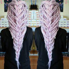 Pastel crochet de dreads. 🦄 Order online - Basiliskhairs.shop Dreadlocks Girl, Blonde Dreads, Crochet Dreadlocks, Dreadlock Hairstyles, Box Braids Hairstyles, Loose Hairstyles, Dreads Styles, Curly Hair Styles, Yarn Wig
