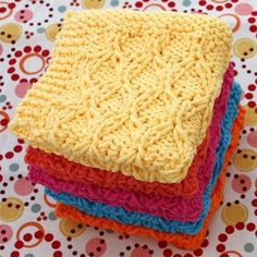 Lily: Download Free Pattern Details - Sugar'n Cream - Honeycomb Check Dishcloth (knit).