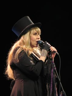 Stevie Nicks, On With The Show   Hydro, Glasgow   © Blue Sky