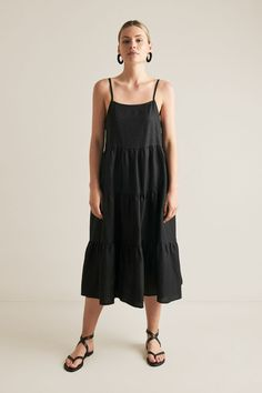 Tiered Linen Dress BLACK Teacher Wardrobe, Seed Heritage, 20s Fashion, Dress Drawing, Clothing Size Chart, Cold Shoulder Dress, Shoulder Straps, Bodice, Summer Outfits