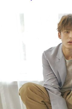 "BLUE WAVE🌊 on Twitter: ""민규 로피시엘 옴므 스캔 #민규 #MINGYU… """