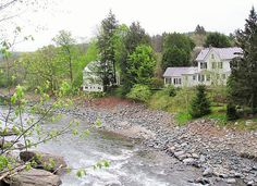 """""""Countryside in Woodstock, VT"""" by TravelPod blogger schwanman from the entry """"Driving Through New England"""" on Friday, May 16, 2014 in Manchester, United States"""