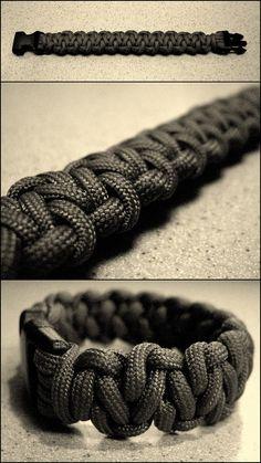 Stormdrane's Blog: Cobbled Solomon Bar Paracord Bracelet...