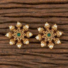 Pearl Necklace Designs, Jewelry Design Earrings, Gold Earrings Designs, Gold Jewelry, 1 Gram Gold Jewellery, Fancy Jewellery, India Jewelry, Gold Necklaces, Small Earrings