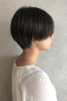 Scarf Hairstyles, Pixie Hairstyles, Pixie Haircut, Shot Hair Styles, Long Hair Styles, Short Hair Tomboy, Face Spray, Clinique Moisturizer, Hair Reference
