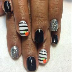 Pin for Later: 101 Idées de Nail Art Spécial Halloween  Source: Instagram user colormynailssalon