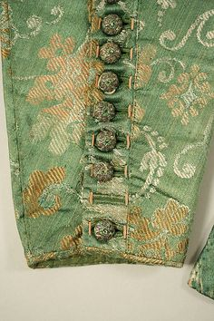 c. 1645 doublet, British, made of silk and leather, The Metropolitan Museum of Art (detail of sleeve buttons)