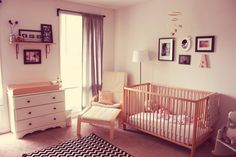 Keeping Up with the Joneses: Peach Kissed: A Nursery Story