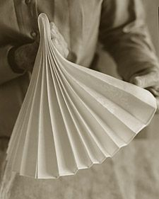 Napkin Folding: Accordion Fold
