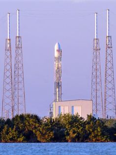 fueling problem scrubs second spacex launch attempt fueling problem scrubs second spacex launch attempt