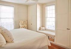 Exploren los rincones y recovecos de una casita de dos dormitorios