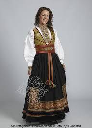 Beltestakk fra Telemark - BunadRosen AS Folk Costume, Costumes, Norwegian Clothing, Norwegian Style, Frozen Costume, Scandinavian Fashion, Bridal Crown, Traditional Outfits, Pretty Dresses