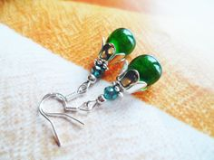 Silver earrings with green glass teardrop beads, bridal jewelry, Selma Dreams nature inspired accessories, bridesmaids gifts by SelmaDreams on Etsy