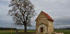 Kopčany, najstarší kostol na území Slovenska | Dobrodruh.sk Building, Travel, Voyage, Buildings, Viajes, Traveling, Trips, Construction, Tourism