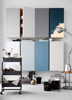 IVAR Schranktüren in verschiedenen Farben. Eine schöne Inspiration und ein echt einfacher IKEA Hack. So sehen die Schränke gleich viel hochwertiger aus.