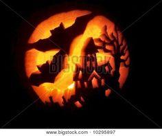 Haunted House and Bats Pumpkin Carving