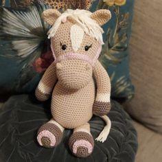 Paardje voor een klein paardemeisje mogen haken! Dinosaur Stuffed Animal, Teddy Bear, Toys, Animals, Activity Toys, Animales, Animaux, Clearance Toys, Teddy Bears