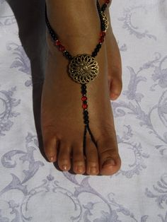 Hey, I found this really awesome Etsy listing at http://www.etsy.com/listing/126041334/barefoot-sandals-foot-jewelry-anklet