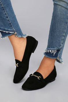 For an instantly chic look just slip on the Molly Lynn Black Suede Loafers! These classy little, vegan suede loafers have a pointed toe upper, and a low-cut, notched collar. Shiny gold hardware adds the finishing touch.