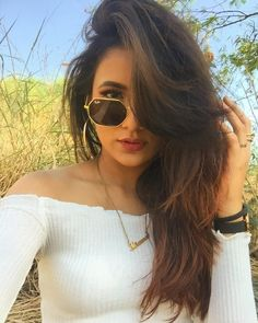 Alia Bhatt Photoshoot, Indian Photoshoot, Magical Photography, Photography Poses Women, Girl Senior Pictures, Girl Photos, Cute Girl Poses, Foto Instagram, Stylish Girl Pic