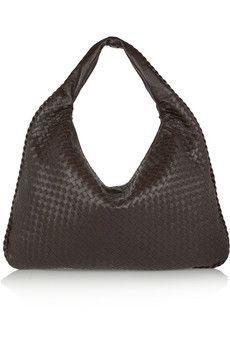 Bottega+Veneta+Maxi+Veneta+intrecciato+leather+shoulder+bag+|+NET-A-PORTER