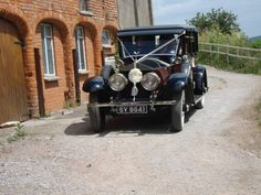 The Wedding car leaving Walkers Farm Cottages