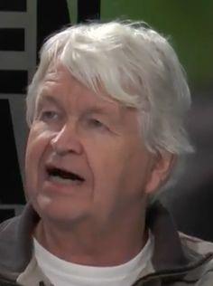 † Kees te Gussinklo (64) 07-02-2018  Op 64-jarige leeftijd is onverwacht Kees te Gussinklo overleden.Te Gussinklo was een kenner en bekende persoon in de Haagse voetbalwereld. Behalve verslaggever bij de amateurs in Den Haag, was hij ook verslaggever bij de wedstrijden van ADO Den Haag. https://youtu.be/6Pa242p3_5A