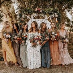This gorgeous boho Rue bride Brooke in the Beau gown, with these perfect tonal b. This gorgeous boho Rue bride Brooke in the Beau gown, with these perfect tonal bridesmaid dresses 🙌🏼 . Wedding Bells, Wedding Ceremony, Wedding Venues, Wedding App, Camp Wedding, Outdoor Ceremony, Wedding Couples, Wedding Ring, Wedding Colors
