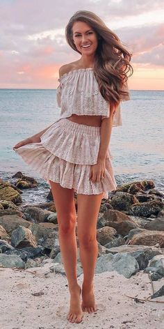 woman wearing white two-piece dress standing near the body of water during daytime. Pic by Trendy Summer Outfits, Cozy Winter Outfits, Spring Outfits Women, Cute Outfits, Outfit Summer, Mini Skirt Dress, Romper Dress, Cute Fashion, Fashion Outfits
