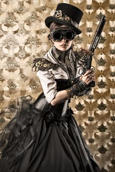 How to Accessorize a Steampunk Dress