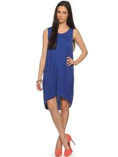 ICHI+Karlina+Dr+Kleid+in+der+Farbe+mazarine+blue,legere+Passform,weicher+Viskosejersey,runder+Halsausschnitt,abgerundeter+Saumabschluss,Rückenlänge+in+Größe+S+ca.99cm,95%+Viskose+5%+Elasthan,unser+Model+trägt+Größe+S+bei+einer+Körpergröße+von+173cm