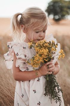 toddler girl photoshoot The Effective Pictures We Offer You About hipster toddler girl outfits A qua Toddler Girl Fall, Toddler Girl Outfits, Toddler Boys, Toddler Girl Photography, Kids Birthday Photography, Sibling Photography, Indoor Photography, Children Photography, Toddler Photoshoot Girl