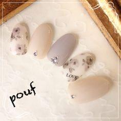 Ideas for nails neutral winter gray Hot Nails, Hair And Nails, Japanese Nail Art, Flower Nails, Matte Nails, Nail Arts, Trendy Nails, Gorgeous Nails, Spring Nails