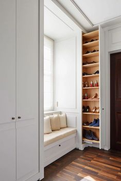 Wardrobe Design Bedroom, Closet Bedroom, Home Room Design, Home Interior Design, Smart Closet, Shoe Closet, Home Entrance Decor, Home Decor, Closet Designs