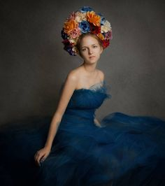 Photoshoot idea - long dark blue tulle dress DIY, flower crown