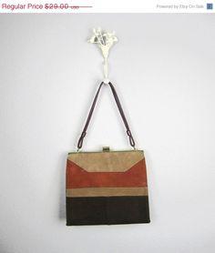 SALE Vintage 1960s Mod Handbag // 60s by RevolvingStyles on Etsy